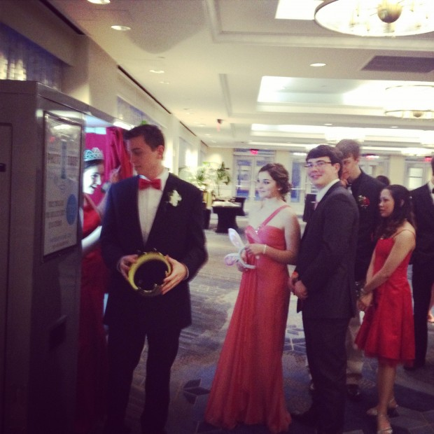 High School students enjoying our vintage photo booth at their year-end prom